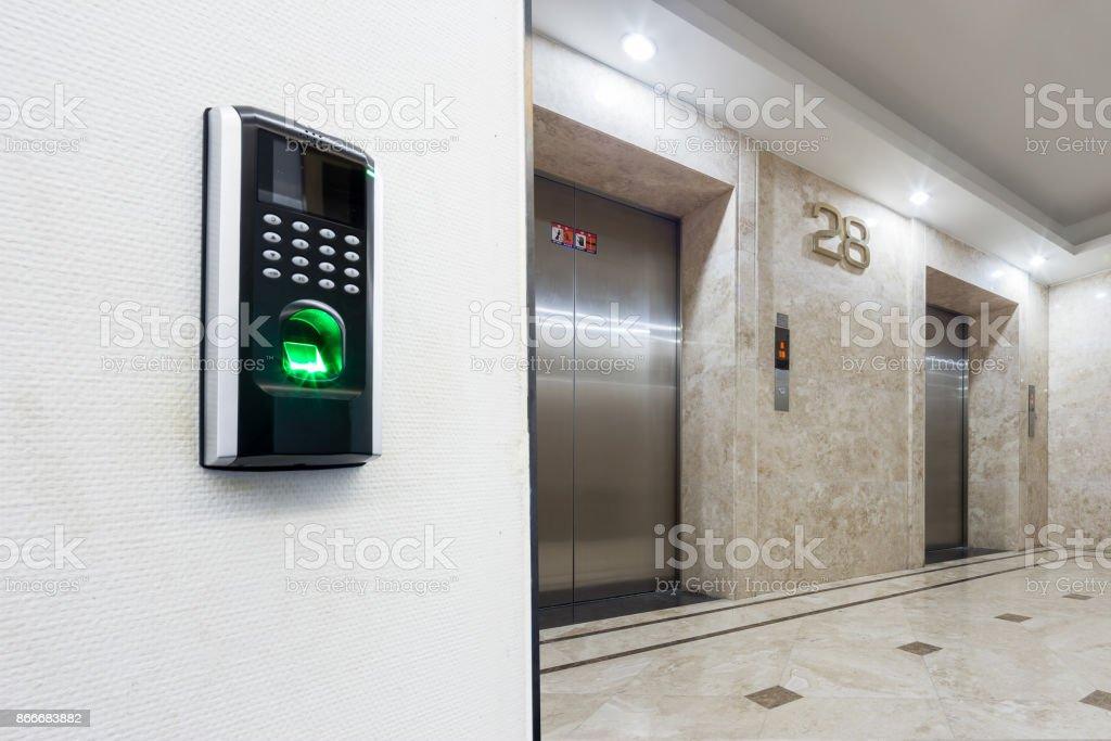 la huella digital con fondos del corredor moderno - foto de stock