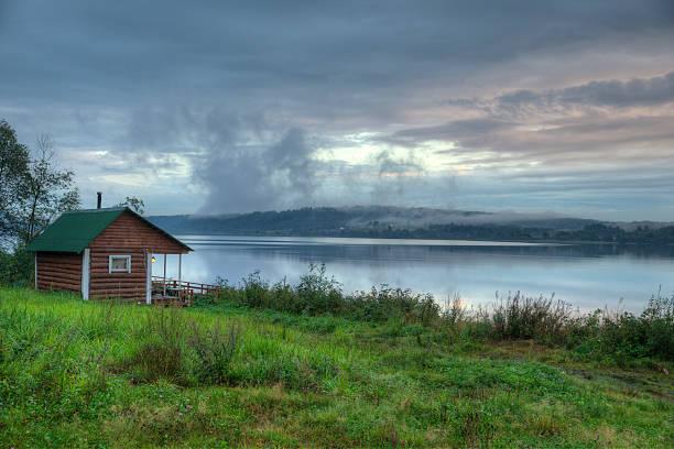 Finnish-Russian village sauna on the river bank – Foto