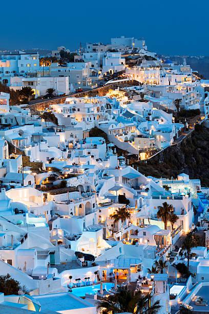 fira town at dusk, santorini, cyclades islands, greece - fira stock-fotos und bilder