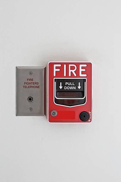 Botón de emergencia de alarma de incendios - foto de stock