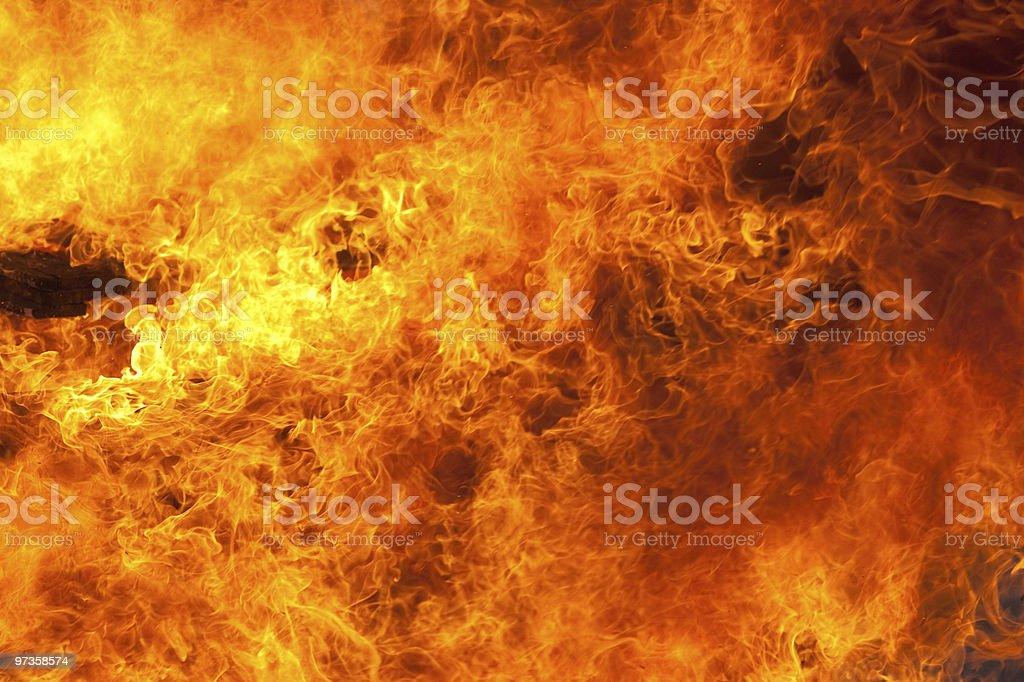 Feuer im Hintergrund – Foto