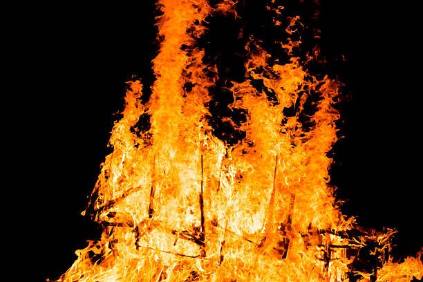 fire blazing in the darkness. - disaster design stock-fotos und bilder