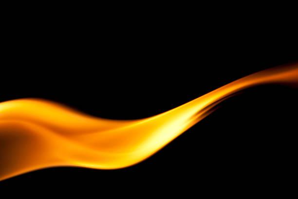 simple, ardor, llamas de fuego sobre fondo negro - foto de stock
