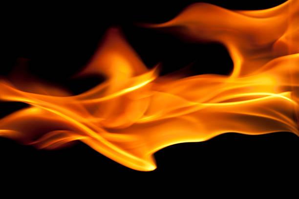abstract, ardor, llamas de fuego sobre fondo negro - foto de stock