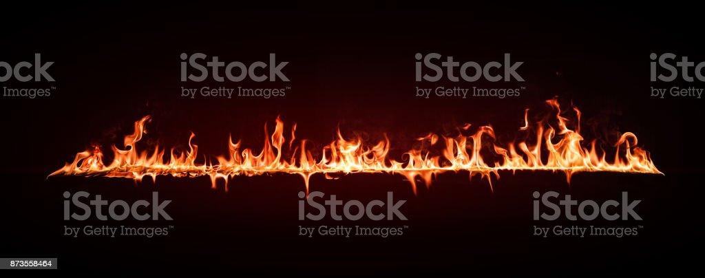 Feuer Flamme Gestaltungselement auf schwarzem Hintergrund isoliert – Foto