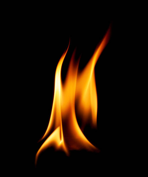 elden flammar abstrakt på svart bakgrund. - flames bildbanksfoton och bilder