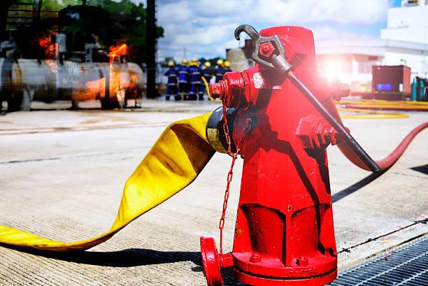 Boca de incendios, manguera de conexión, de extinción de incendios equipo para fire fighter. - foto de stock