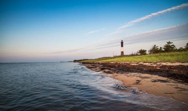 leuchtturm fire island  - rettungsinsel stock-fotos und bilder