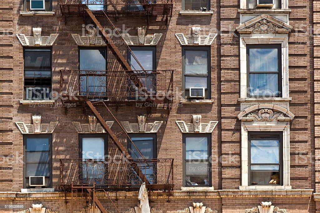 fire échelle old de maisons du centre-ville de New York photo libre de droits