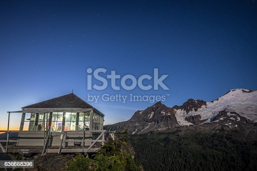 Fire lookout at Park Butte