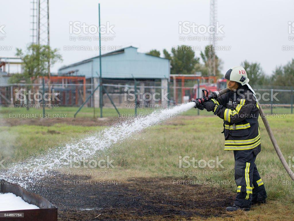 La lucha contra incendios - foto de stock
