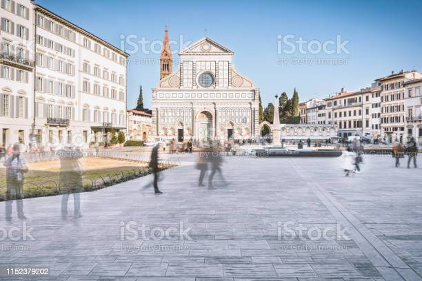 Firenze italia santa maria novella church viewed from the square picture id1152379202?b=1&k=6&m=1152379202&s=612x612&h=fae6xxwv6gs8qcr1ihkdrymquqs0yf vc3vqckpxc e=