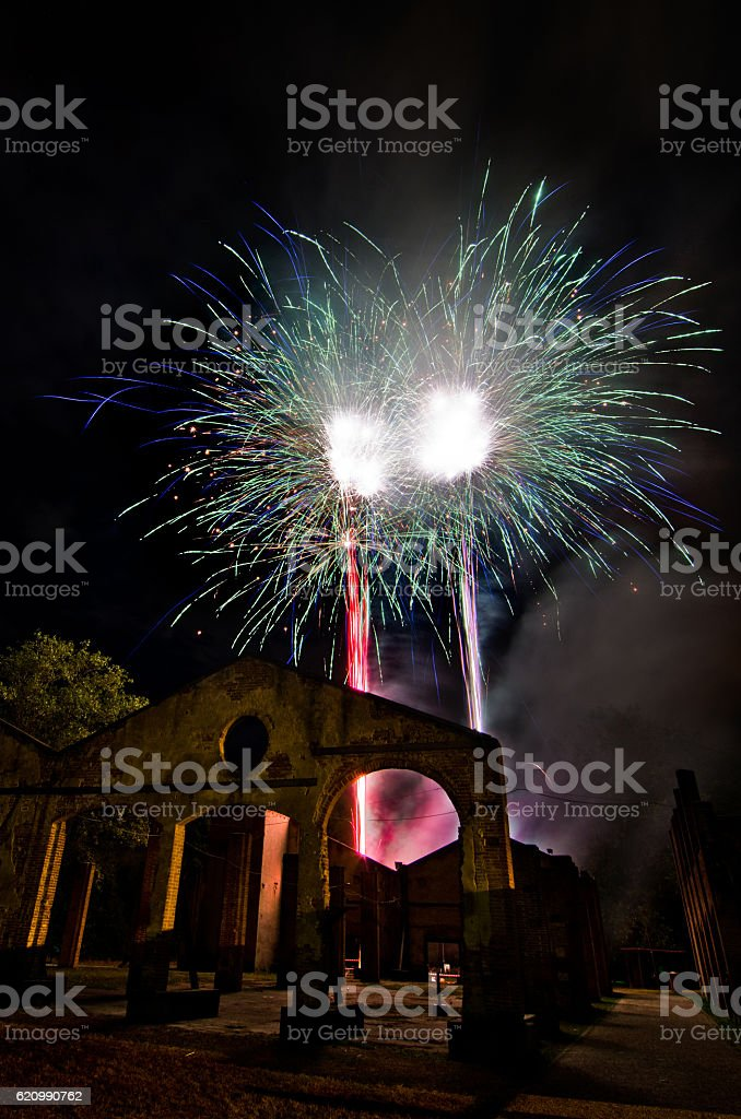 fires fireworks on the sky of the ancient ruins foto royalty-free
