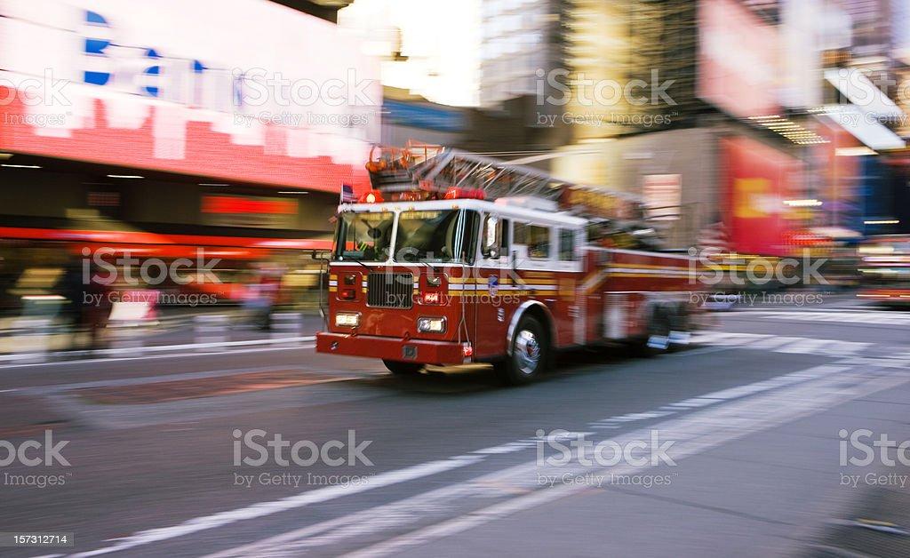 Firetruck Time Square bildbanksfoto