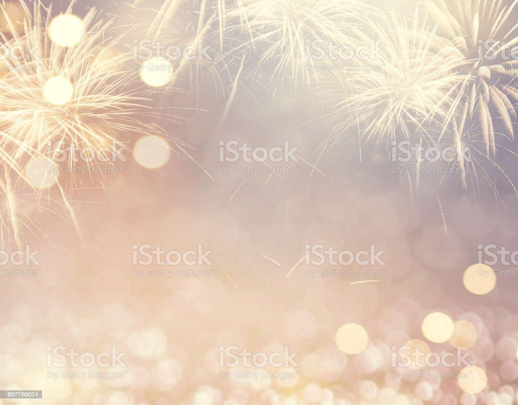 Feuerwerk und Bokeh im Silvester und Platz für Text. Zusammenfassung Hintergrund Urlaub. – Foto
