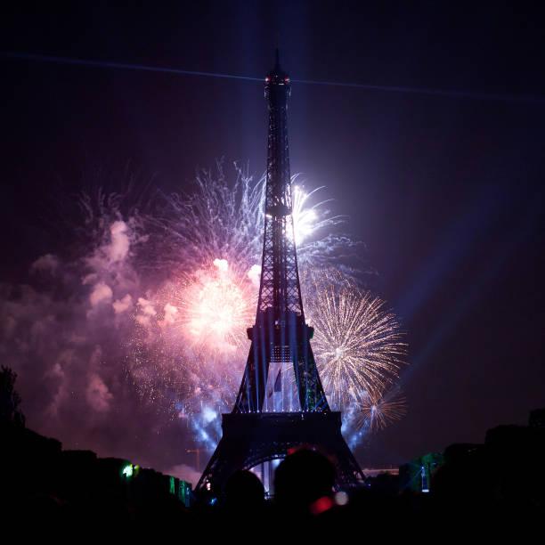 feux d'artifice lors de la journée nationale de la France - Photo