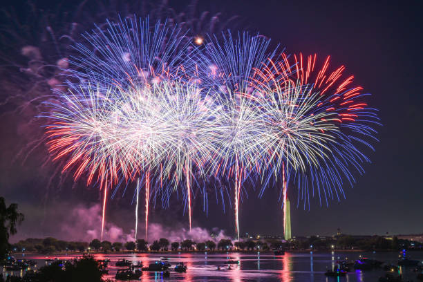 Fireworks - Celebrating Independence Day 4th of July Colorful fireworks at Washington DC, capital city of United States of America. Celebrating Independence Day, 4th of July firework display stock pictures, royalty-free photos & images