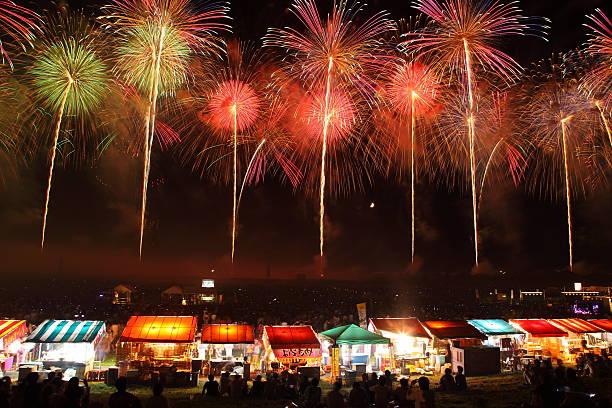 fireworks display festival in sakata, yamagata, japan - 伝統的な祭り ストックフォトと画像