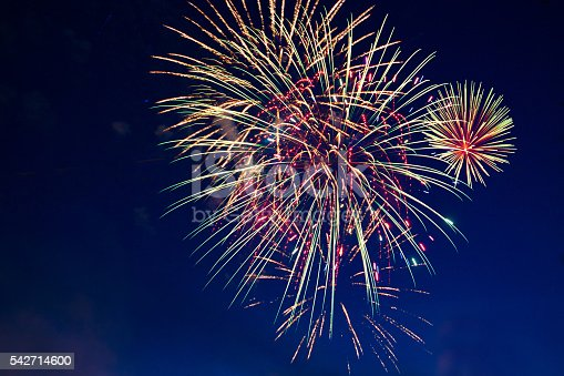 542714484 istock photo Fireworks display on 4th of July 542714600