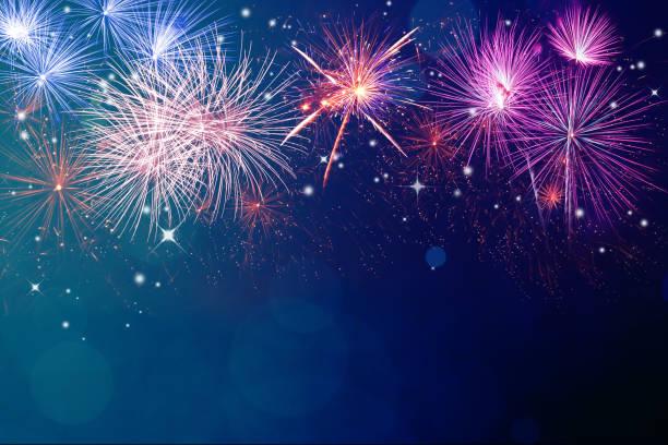 fuegos artificiales de fondo y copyspace - año nuevo fotografías e imágenes de stock