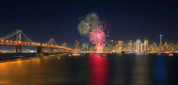 Fireworks' New Year in San Francisco, California, USA Fireworks' New Year in San Francisco, California, USA 4th century bc stock pictures, royalty-free photos & images