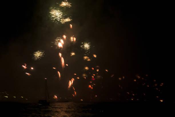 Fireworks on Copacabana Beach New year's eve on Copacabana beach reveillon stock pictures, royalty-free photos & images