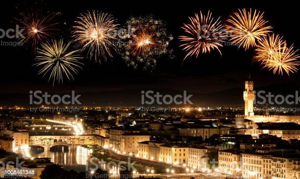 Fireworks over florence skyline tuscany italy picture id1008461348?b=1&k=6&m=1008461348&s=612x612&h=5eyolge4zwqpdooukppril1goebevrwiyhv4 ksd2a4=