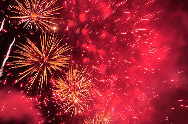 фейерверки. - chinese new year стоковые фото и изображения