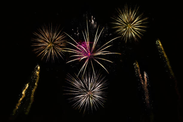 Fireworks red and gold fireworks jude beck stock pictures, royalty-free photos & images