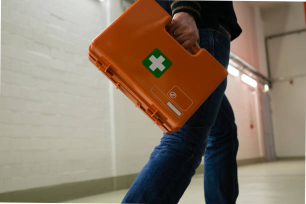 직장에서 사고 후 응급 처치 - 응급 처치 뉴스 사진 이미지