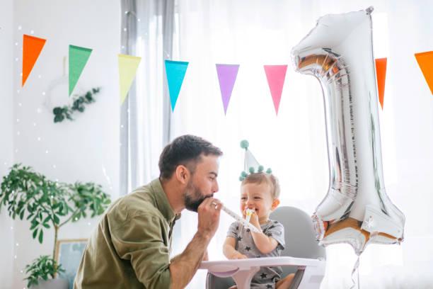 Primera celebración de cumpleaños - foto de stock