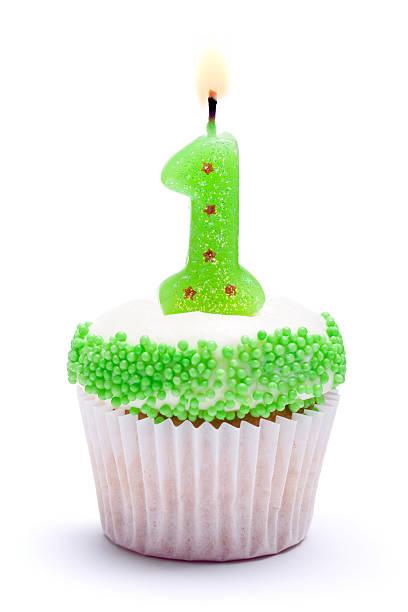 erster geburtstag cupcake - nummer 1 kuchen stock-fotos und bilder