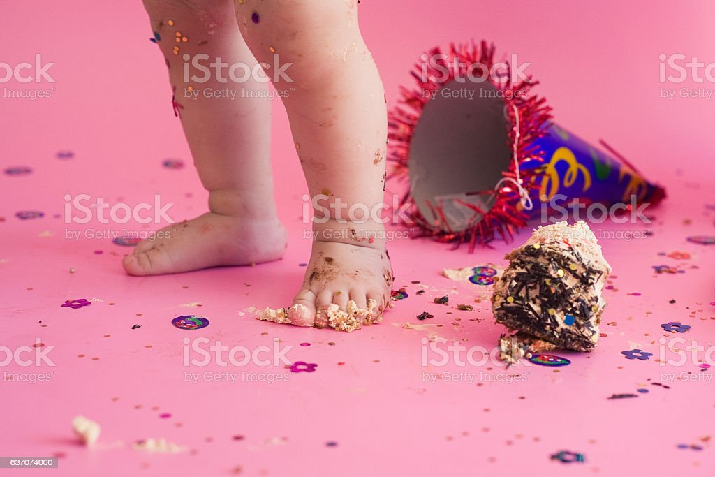 First birthday smash the cake - Photo