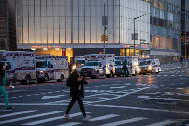 first responders waiting to be deployed during the pandemic in new york - first responders стоковые фото и изображения
