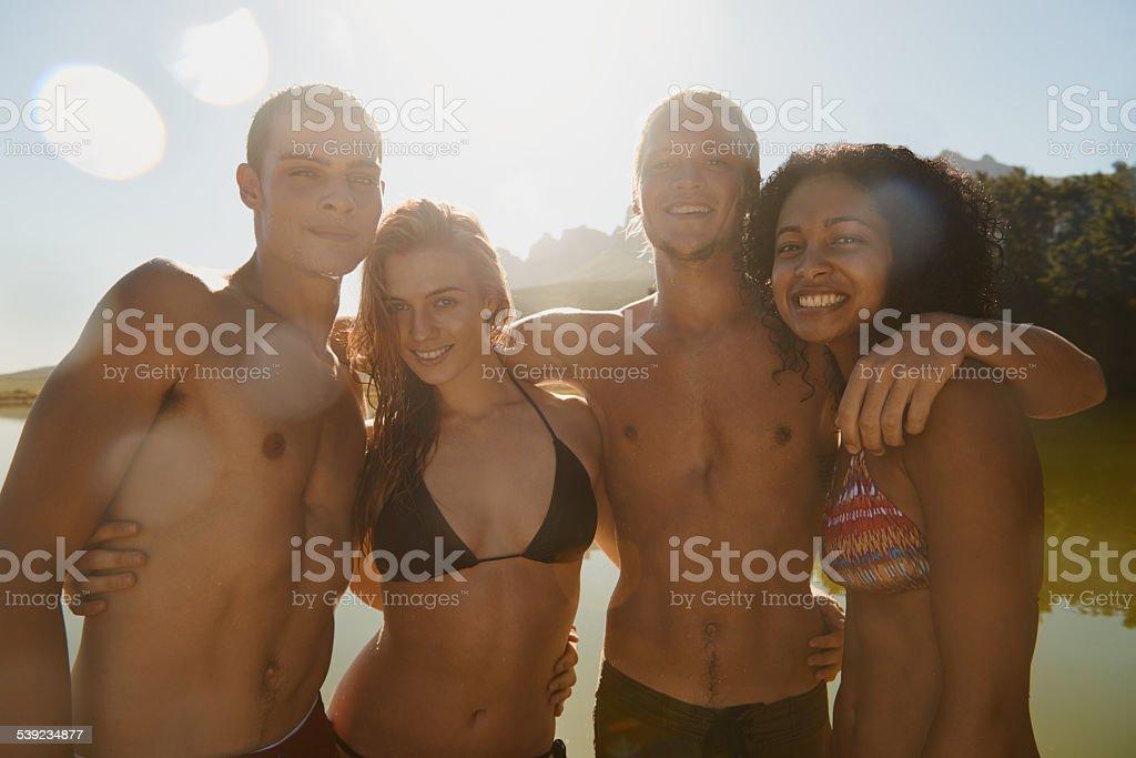 Primeiro mergulho de verão foto royalty-free