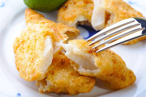 fish and chip - kızartılmış stok fotoğraflar ve resimler