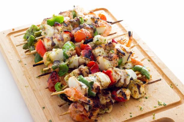Fish and vegetable kebabs – zdjęcie