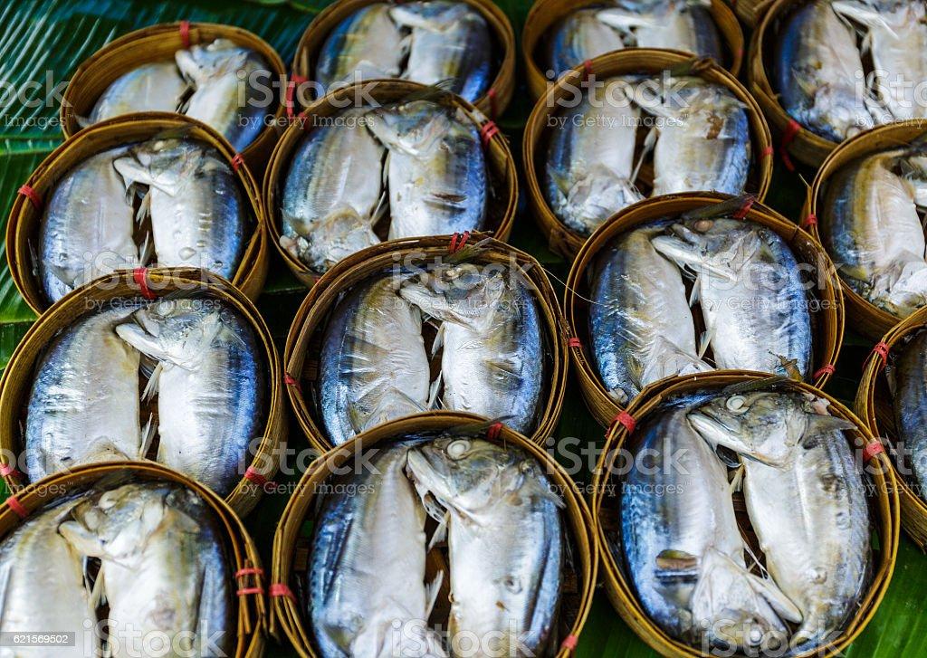 Fish in barrels for sale at a market in Bangkok photo libre de droits