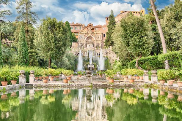 Fish ponds and fountain of Neptune, Villa d'Este, Tivoli, Italy - foto stock