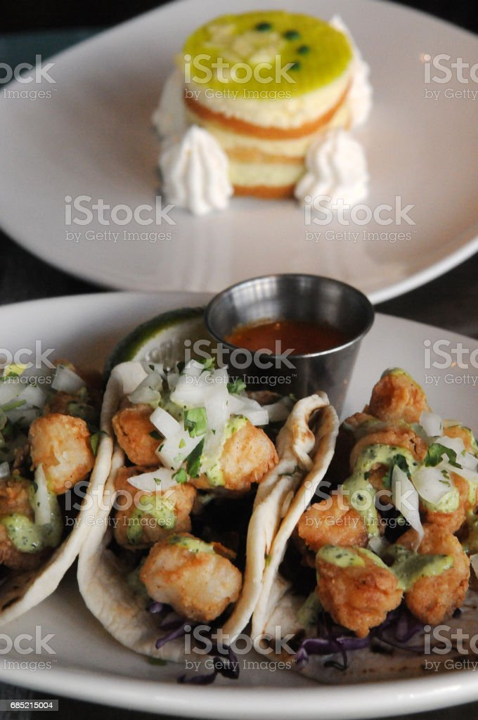 Fish Tacos and Tart Vertical foto de stock royalty-free
