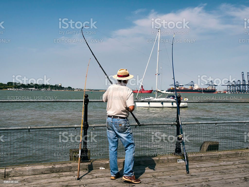 Fisherman on Ha'Penny Pier, Harwich Lizenzfreies stock-foto