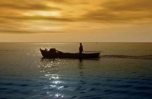 Fisherman Stockfoto en meer beelden van Avondschemering