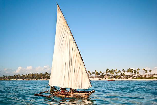 Pescatori in barca a vela - foto stock