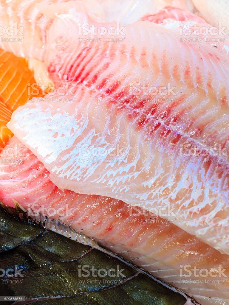 Peixes no Mercado de peixe (Fisketorget) em Bergen, Noruega foto de stock royalty-free