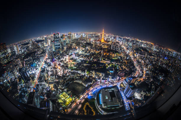 fisheye view de tokyo dans la nuit - grand angle photos et images de collection
