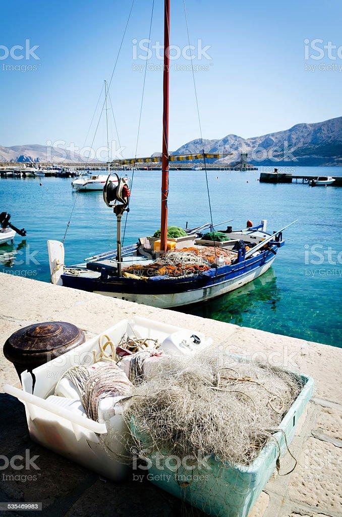 Fischerboot im Hafen – Foto