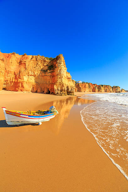 Fishing boat in Portimao, Algarve region, Portugal - foto de stock