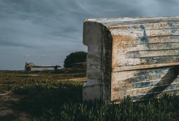 Un bateau de pêche dans les milieux ruraux - Photo