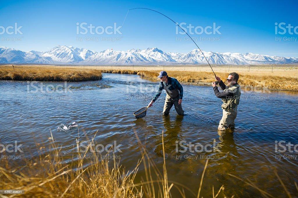 Amigos de pesca foto de stock libre de derechos
