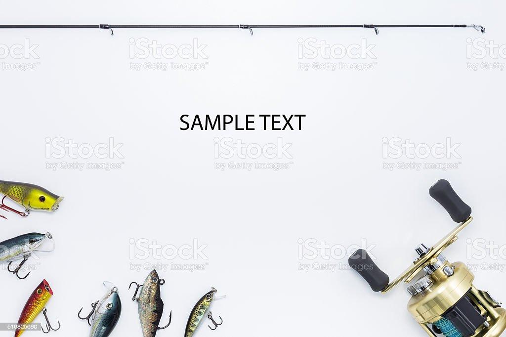 Attrezzatura di pesca su sfondo bianco e con spazio per il testo - foto stock